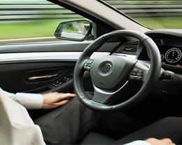 推进处于不同阶段的无人驾驶车辆开发项目